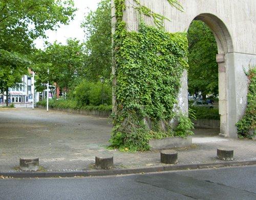 Blick auf den jetzigen Parkplatz zwischen Zentralmensa und Weender Landstraße