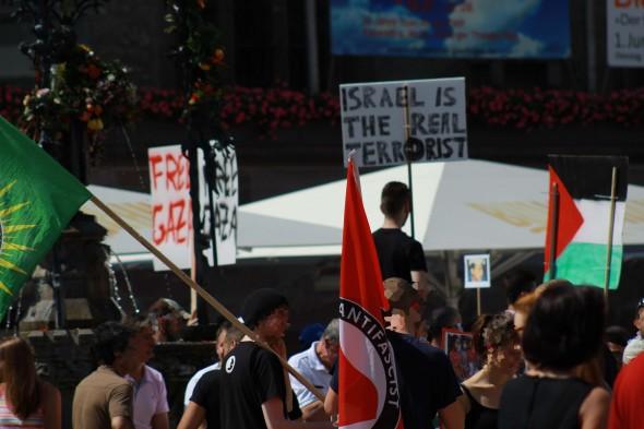 """Auch einige AntifaschistInnen beteiligten sich an der """"Demonstration für Gaza"""""""