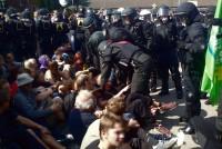 """Polizei räumt Sitzblockaden für """"Pro Deutschland""""-Kundgebung"""